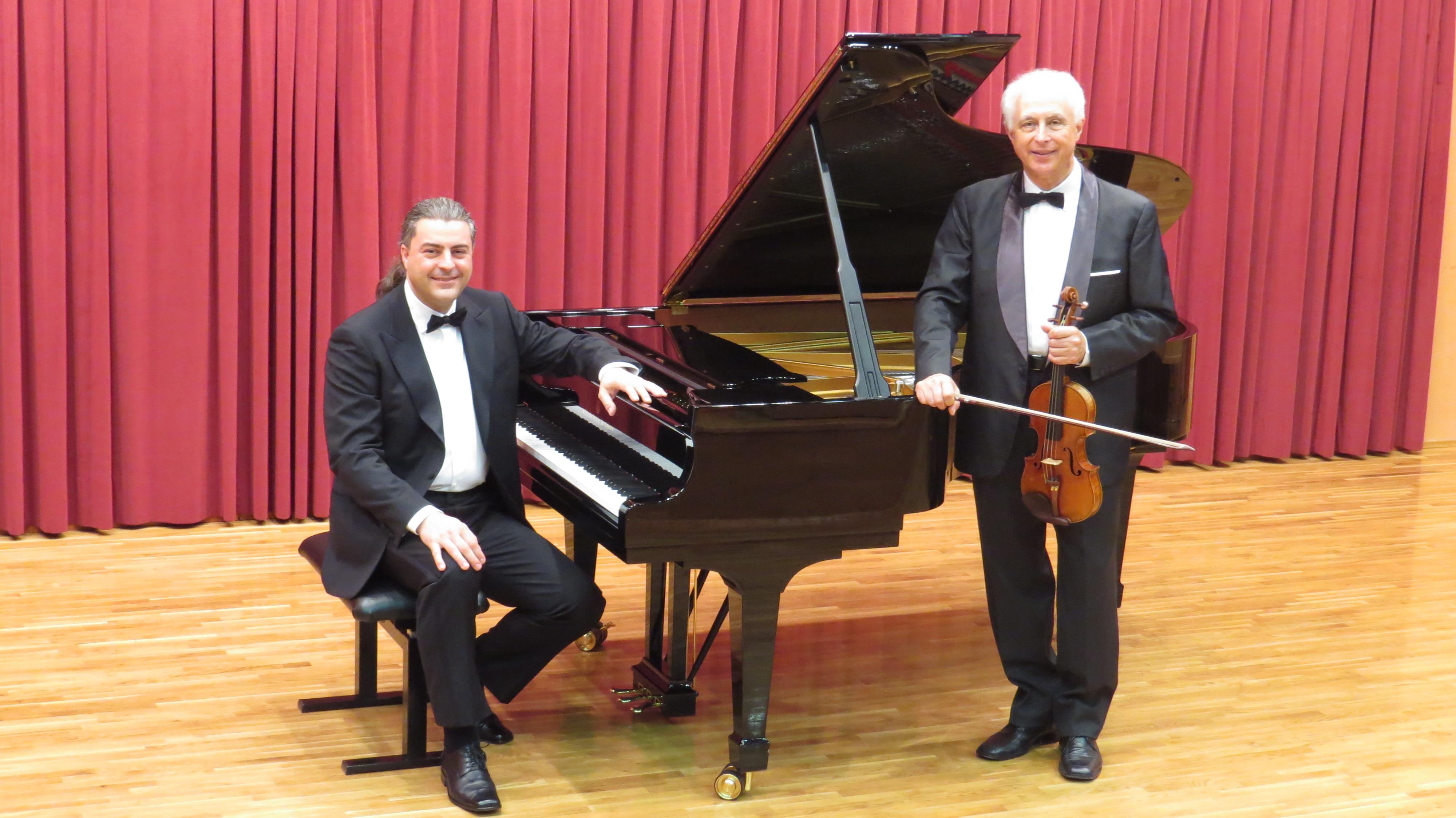 ČRTOMIR ŠIŠKOVIČ (violina) in LUCA FERRINI (piano) (glasbeni abonma in izven)