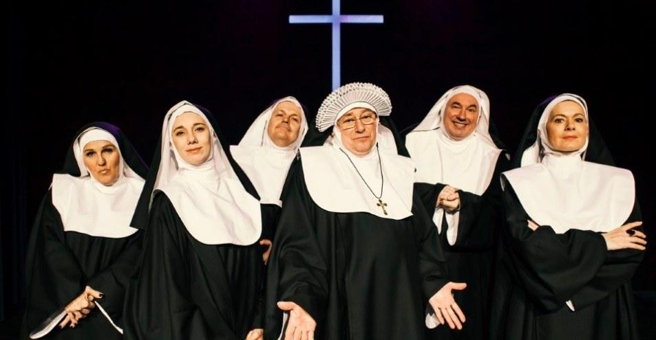 NUNE V AKCIJI (glasbena komedija)
