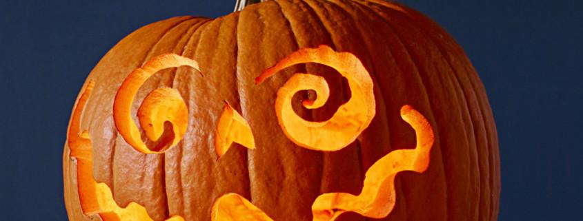 1441834730-pumpkin-carve-2